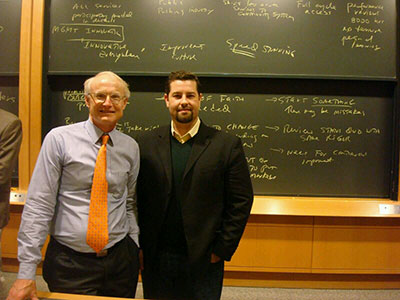 Prof. Michael Porter y Dr. Alejandro Baez / Harvard Business School 2008